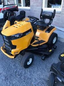 2017 Cub Cadet XT2 54 Fab LAwn Tractor - 1 left - save $500.00 !!