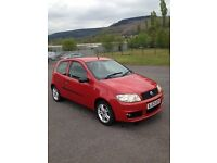 fiat punto,2003,long mot,78k millage,£695,great condition in and out,cheap,drives nd looks new!