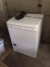 BEKO Full Size Dishwasher in White