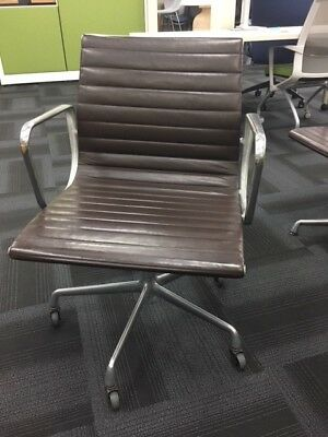 Herman Miller Aluminum Group Eames Management Chair