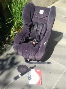 Safe-n-Sound Compaq Deluxe Car Seat (From birth to 18kg) Neutral Bay North Sydney Area Preview