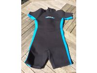 Kids Size 6 shorty wetsuit