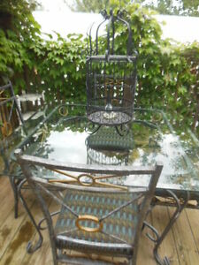 Glass top table and chairs London Ontario image 5