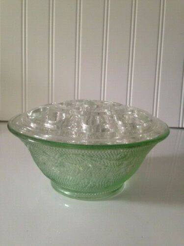 Indiana Tiara Sandwich Glass Chantilly Green Flower Bowl &16 hole frog