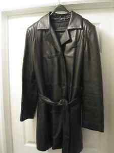 DANIER WOMAN'S DBL. BREASTED, ZIP-LINED LEATHER 3/4 JACKET