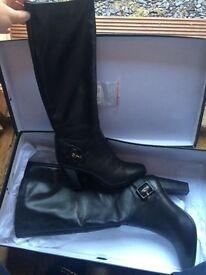 Duane size 6 long boots rrp £110