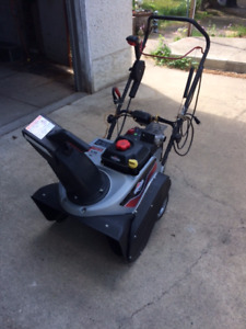 LIKE NEW - Briggs and Stratton Single Stage Snowthrower