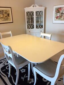 Vintage Dining Room with  4 chairs and corner cabinet Sarnia Sarnia Area image 2
