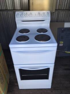 Westinghouse electric Oven/stove + stainless steel rangehood