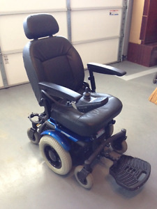 Deluxe Power chair used only 3 weeks