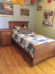 set de chambre lit simple/table chevet/commode Morigeau-Lépine