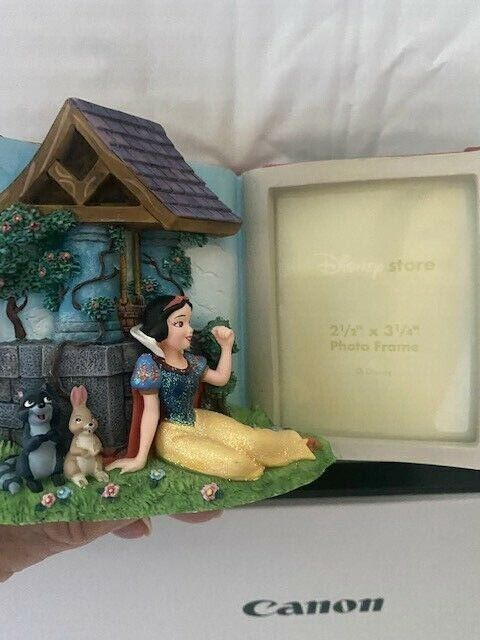 Disney Store 3D Storybook Resin Snow White Wishing Well Picture Frame, No Bird