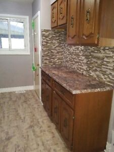 Apartment for Rent Oct-Jan upper level of house INCLUSIVE!