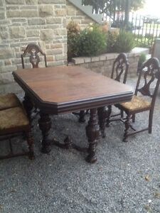 Solid Thick Wood Dining Set Kitchen Table Chairs Antique Carved Oakville / Halton Region Toronto (GTA) image 1