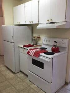 Bright Top Floor 2 Bedroom Available - Call (306) 314-0214