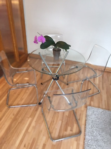 """Hydra 36"""" Round Dining Table with 4 Tobias Chairs (Transparent)"""