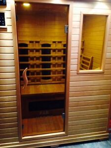 Infrared 3 Person Sauna, like new condition