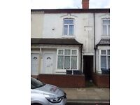 TWO BEDROOM MID TERRACE HOUSE WITH TWO RECEPTIONS CLOSE TO SCHOOLS AND SERVICE ROUTES PRICED AT £575