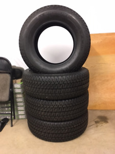 *Brand new* Michelin LTX AT2 / 4 tires