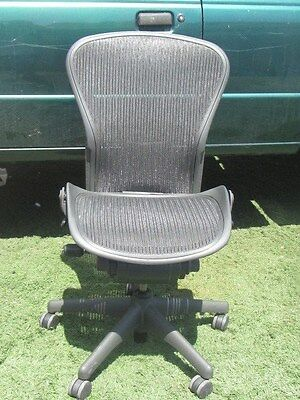 Herman Miller Aeron Chair Size Imcomplete