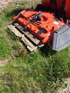 Mower deck for Kubota B series tractor