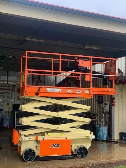 Jlg R6 Electric Scissor Lift With Heavy Duty Trailer