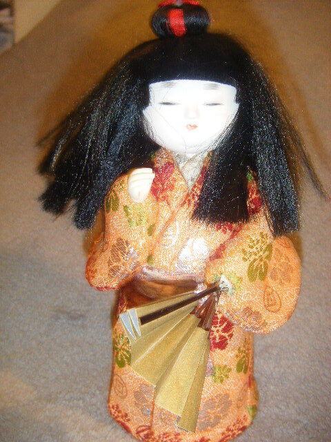 VINTAGE JAPANESE GOFUN BEAUTIFUL DOLL W/ FAN & LONG BLK HAIR GOLD &ORANGE JAPAN