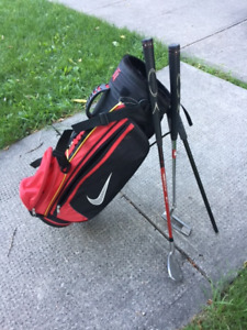 Children's Nike Golf Bag and Clubs