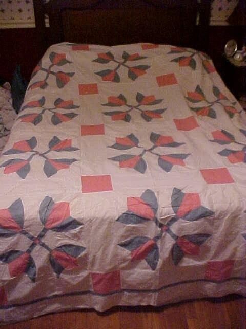 Vintage 1900s  PIECED QUILT TOP, PINK & GREEN TULIPS