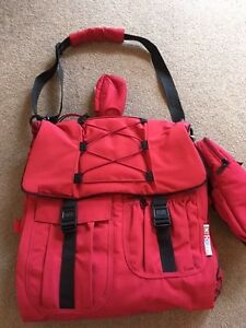 GR8X Red Soft Nappy Satchel Bag/Backpack Booragoon Melville Area Preview