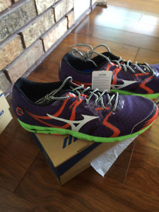 Wave Hitogami racing shoes size 11 by Mizuno NEW WITH TAGS