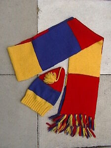 Tricolour Scarf - Queen's