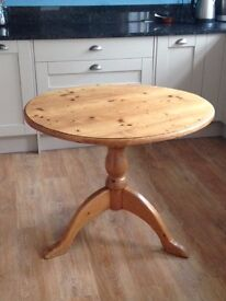 Circular Pine Dining Table