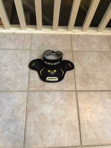 Bauer Supreme MAX SORB Neck guard - also selling other goal item