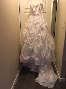 NEVER WORN - Alfred Angelo