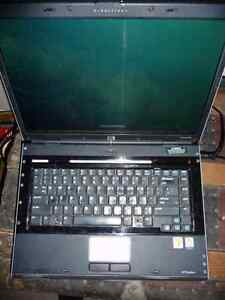 good cheap HP laptop with battery and charger