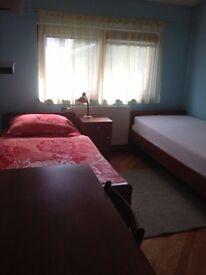 Charmin double room in great neighbourhood, call 0787062278