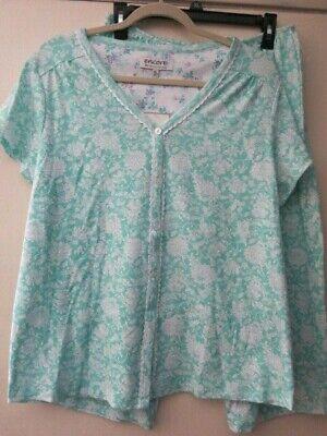Karen Neuburger L Green White Floral Short Sleeve Capri Pant 2 Pc Pajama's Set