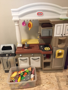 Little tikes kitchen and play food