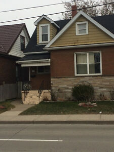 3 BEDROOM FAMILY HOUSE AVAILABLE FOR MARCH 1ST!!
