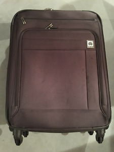 "26"" DELSEY 4 WHEEL SPINNER LUGGAGE (BROWN) - Great Condition"