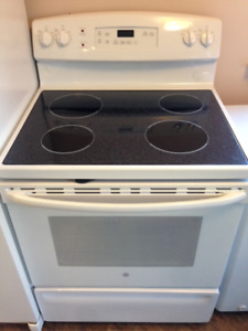 GE Stove almost new
