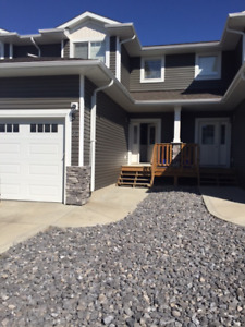 Family friendly townhouse in south Red Deer