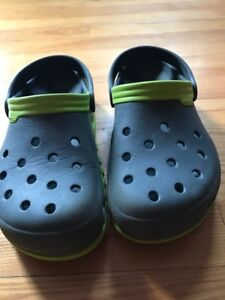 Crocs size 7 for men - fits youth