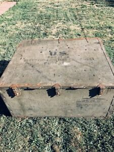 Vintage WW2 US Military Trunk