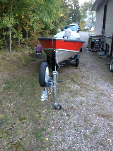 Lund 14' fishing boat C/W 20 hp Yamaha & Trailer