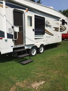 2010 Jayco  Eagle Super Lite  Fifth Wheel