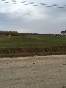Beautiful 2.5 acre lot on Charleswood Rd