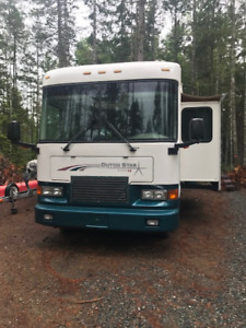 Awesome 32' Dutch Star Motor Home