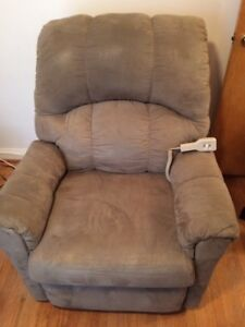 Lazy Boy Recliner Chair - Powered